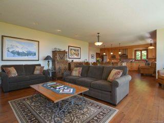 Photo 6: 6472 BISHOP ROAD in COURTENAY: CV Courtenay North House for sale (Comox Valley)  : MLS®# 775472