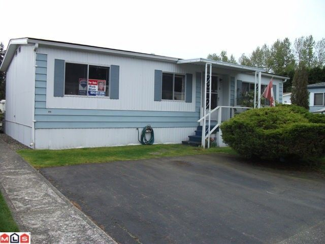 """Main Photo: 77 2270 196TH Street in Langley: Brookswood Langley Manufactured Home for sale in """"PINERIDGE PARK"""" : MLS®# F1211517"""