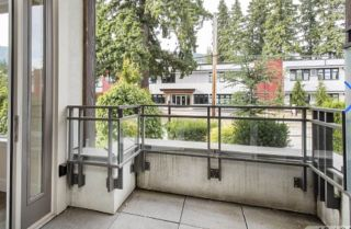 """Photo 4: 200 2432 HAYWOOD Avenue in West Vancouver: Dundarave Condo for sale in """"THE HAYWOOD"""" : MLS®# R2531001"""