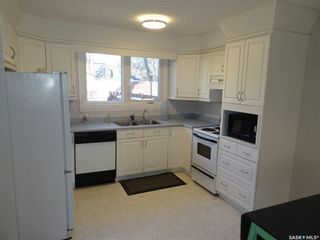 Photo 2: 78 Oakview Drive in Regina: Uplands Residential for sale : MLS®# SK751531