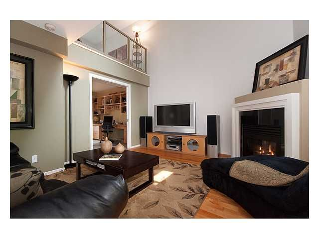 """Photo 3: Photos: 105 867 HAMILTON Street in Vancouver: Downtown VW Townhouse for sale in """"JARDINES LOOKOUT"""" (Vancouver West)  : MLS®# V832897"""