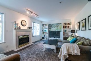 """Photo 2: 63 20762 TELEGRAPH Trail in Langley: Walnut Grove Townhouse for sale in """"Woodbridge"""" : MLS®# R2394375"""