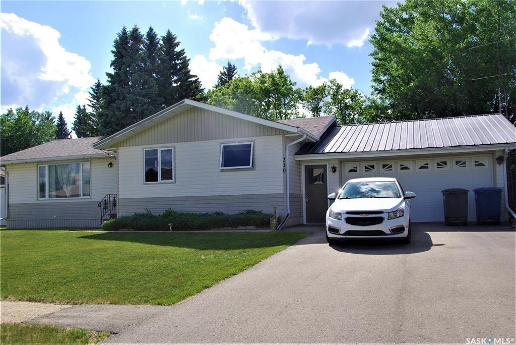 Main Photo: 310 Centennial Avenue in Kipling: Residential for sale : MLS®# SK861186