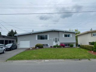 Photo 1: 45235 ROSEBERRY Road in Chilliwack: Sardis West Vedder Rd House for sale (Sardis)  : MLS®# R2592446
