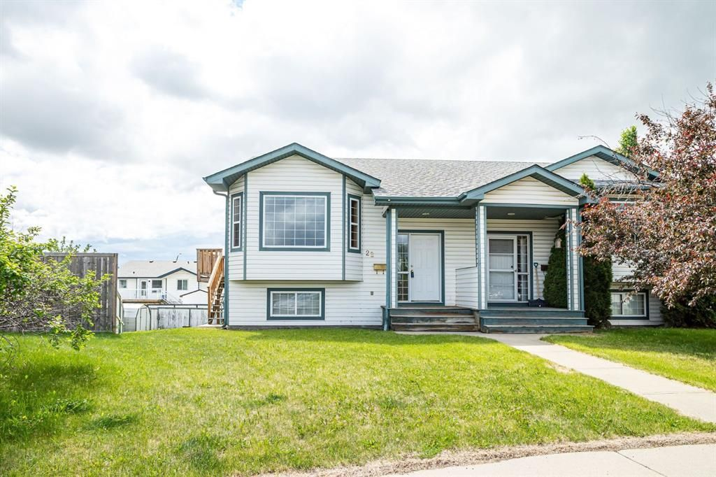 Main Photo: 22 Kirk Close: Red Deer Semi Detached for sale : MLS®# A1118788