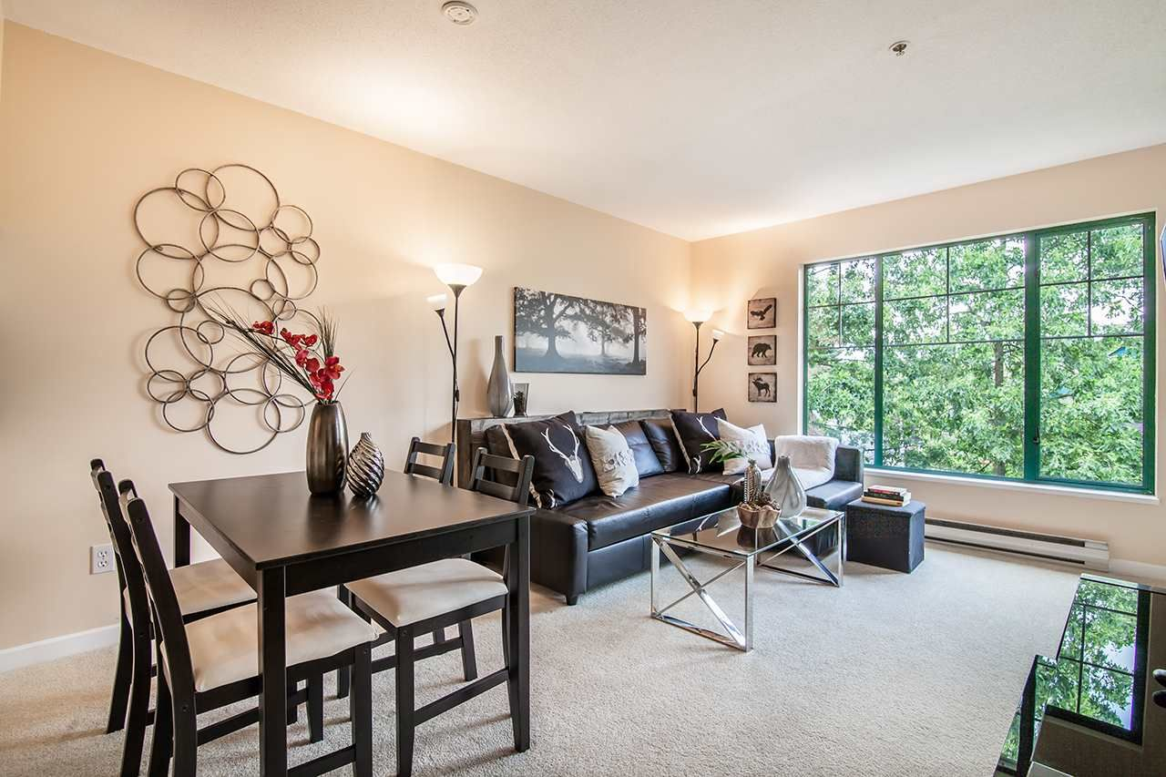 """Photo 2: Photos: 409 929 W 16TH Avenue in Vancouver: Fairview VW Condo for sale in """"OAKVIEW GARDENS"""" (Vancouver West)  : MLS®# R2189624"""