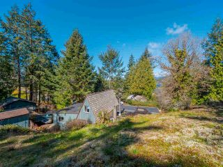 Photo 2: 4470 MCLINTOCK Road in Madeira Park: Pender Harbour Egmont House for sale (Sunshine Coast)  : MLS®# R2562240