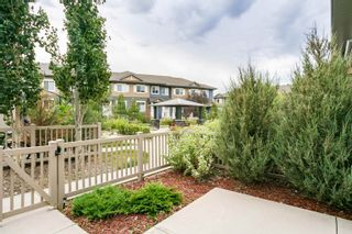 Photo 2: 70 1030 CHAPPELLE Boulevard in Edmonton: Zone 55 Townhouse for sale : MLS®# E4262556