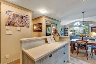 """Photo 5: 402 15991 THRIFT Avenue: White Rock Condo for sale in """"Arcadian"""" (South Surrey White Rock)  : MLS®# R2621325"""