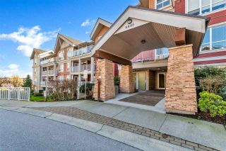 "Photo 4: 219 6440 194 Street in Surrey: Clayton Condo for sale in ""Waterstone"" (Cloverdale)  : MLS®# R2542839"
