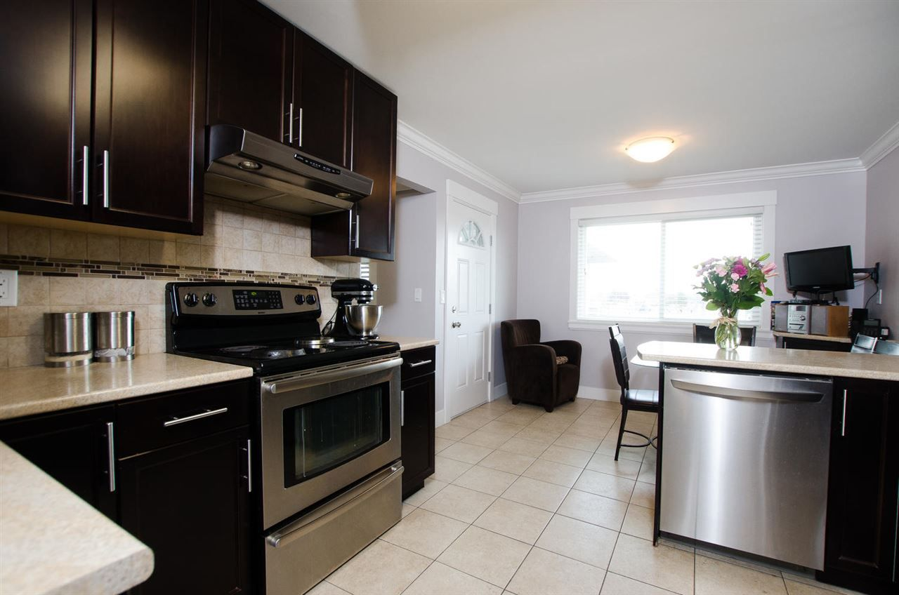 Photo 2: Photos: 4652 60B Street in Delta: Holly House for sale (Ladner)  : MLS®# R2366212