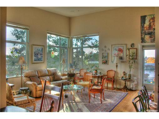 Main Photo: 403 4394 West Saanich Rd in VICTORIA: SW Royal Oak Condo for sale (Saanich West)  : MLS®# 746608