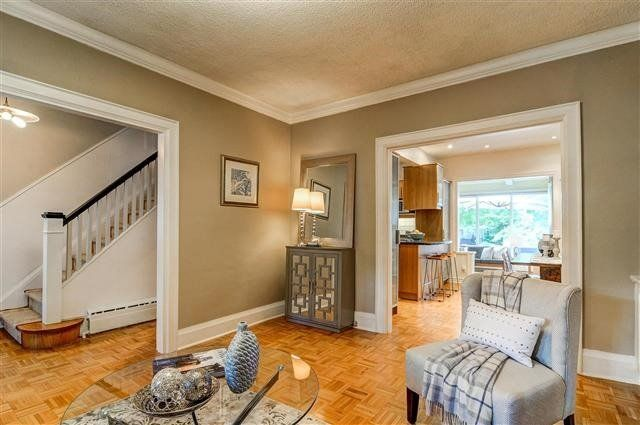 Photo 9: Photos: 256 Mortimer Avenue in Toronto: Danforth Village-East York House (2-Storey) for sale (Toronto E03)  : MLS®# E3626465