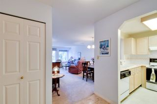 """Photo 2: 314 6707 SOUTHPOINT Drive in Burnaby: South Slope Condo for sale in """"MISSION WOODS"""" (Burnaby South)  : MLS®# R2201972"""