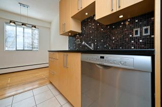 """Photo 10: 305 2424 CYPRESS Street in Vancouver: Kitsilano Condo for sale in """"CYPRESS PLACE"""" (Vancouver West)  : MLS®# R2572541"""