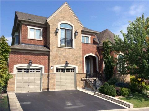 Main Photo: 11 Royal Shamrock Court in Whitchurch-Stouffville: Rural Whitchurch-Stouffville House (2-Storey) for sale : MLS®# N3118519