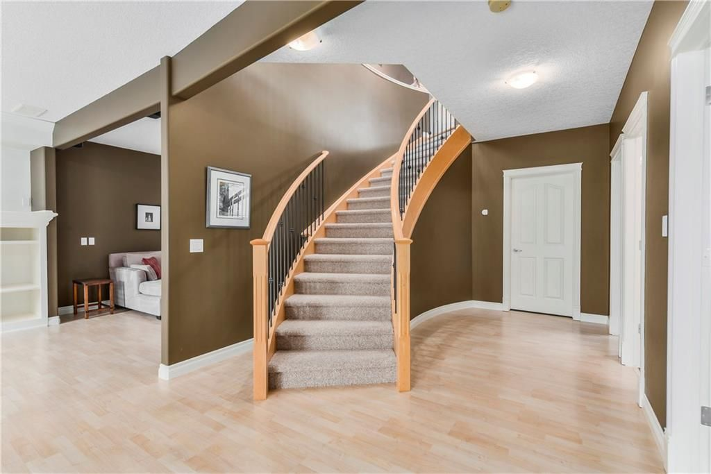 Photo 29: Photos: 73 DISCOVERY WOODS Villa SW in Calgary: Discovery Ridge Semi Detached for sale : MLS®# C4218779
