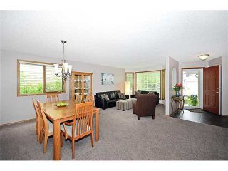 Photo 3: 78 SANDRINGHAM Way NW in CALGARY: Sandstone Residential Detached Single Family for sale (Calgary)