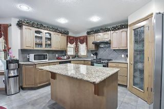 Photo 9: 6405 SANDIN Crescent in Edmonton: Zone 14 House for sale : MLS®# E4245872