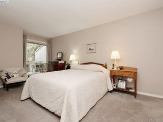 Photo 12: 10 928 Bearwood Lane in VICTORIA: SE Broadmead Row/Townhouse for sale (Saanich East)  : MLS®# 785859