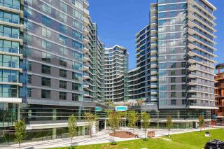 "Photo 1: 1028 68 SMITHE Street in Vancouver: Yaletown Condo for sale in ""ONE PACIFIC"" (Vancouver West)  : MLS®# R2137913"