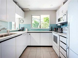 """Photo 6: 404 130 E 2ND Street in North Vancouver: Lower Lonsdale Condo for sale in """"THE OLYMPIC"""" : MLS®# V1134065"""