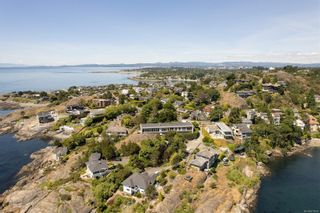 Photo 8: 285 King George Terr in Oak Bay: OB Gonzales House for sale : MLS®# 879049
