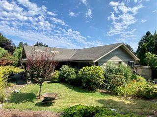 Photo 2: 1827 Barrett Dr in : NS Dean Park House for sale (North Saanich)  : MLS®# 850734