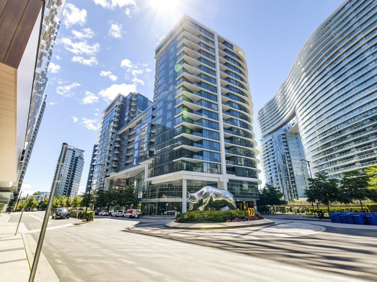 Main Photo: 2008 68 SMITHE Street in Vancouver: Downtown VW Condo for sale (Vancouver West)  : MLS®# R2616586