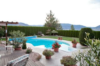 Photo 2: 151 Westview Drive in Penticton: Residential Detached for sale : MLS®# 139792