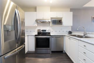"""Photo 2: 515 214 ELEVENTH Street in New Westminster: Uptown NW Condo for sale in """"Discovery Reach"""" : MLS®# R2254696"""