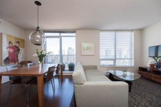 """Photo 2: 1703 1055 HOMER Street in Vancouver: Yaletown Condo for sale in """"DOMUS"""" (Vancouver West)  : MLS®# R2186785"""