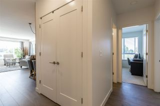 """Photo 3: 403 33530 MAYFAIR Avenue in Abbotsford: Central Abbotsford Condo for sale in """"Residences at Gateway"""" : MLS®# R2400073"""