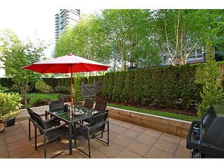 "Photo 19: 117 700 KLAHANIE Drive in Port Moody: Port Moody Centre Condo for sale in ""Baordwalk"" : MLS®# R2441263"