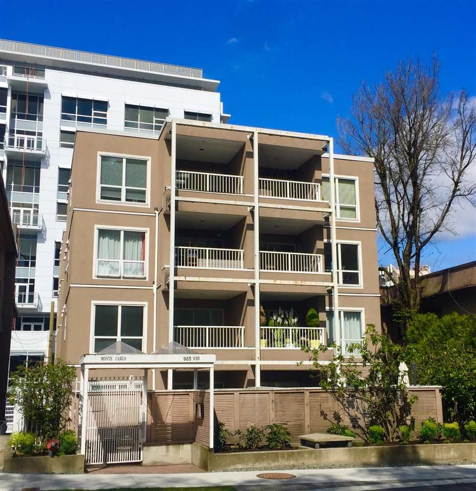 """Main Photo: 402 985 W 10TH Avenue in Vancouver: Fairview VW Condo for sale in """"Monte Carlo"""" (Vancouver West)  : MLS®# R2356963"""