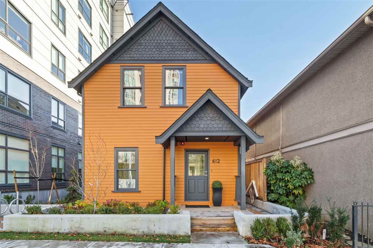 Main Photo: 612 BRANTFORD STREET in New Westminster: Uptown NW House for sale : MLS®# R2517662