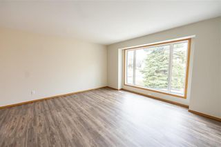 Photo 3: 86 Royal Park Crescent in Winnipeg: Southland Park Residential for sale (2K)  : MLS®# 202109062