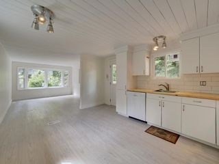 Photo 17: 17 240 HARRY Road in Gibsons: Gibsons & Area Manufactured Home for sale (Sunshine Coast)  : MLS®# R2588608