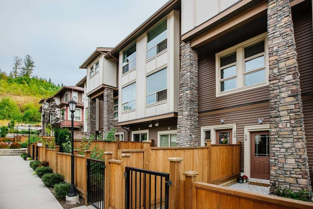 "Main Photo: 20 10480 248 Street in Maple Ridge: Thornhill MR Townhouse for sale in ""The Terraces"" : MLS®# R2489905"