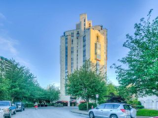 "Photo 1: 1602 8 LAGUNA Court in New Westminster: Quay Condo for sale in ""THE EXCELSOR"" : MLS®# R2546874"