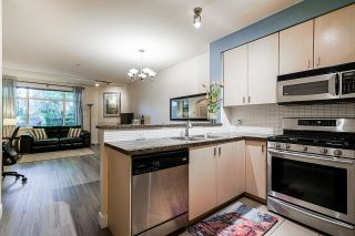"""Photo 14: 54 6878 SOUTHPOINT Drive in Burnaby: South Slope Townhouse for sale in """"CORTINA"""" (Burnaby South)  : MLS®# R2615060"""