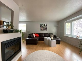 Photo 3: 99 Spinks Drive in Saskatoon: West College Park Residential for sale : MLS®# SK810394