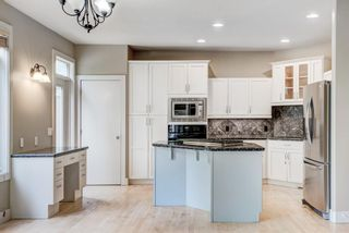 Photo 9: 4804 16 Street SW in Calgary: Altadore Semi Detached for sale : MLS®# A1145659