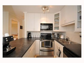 """Photo 8: 107 310 W 3RD Street in North Vancouver: Lower Lonsdale Condo for sale in """"DEVON MANOR"""" : MLS®# V788416"""