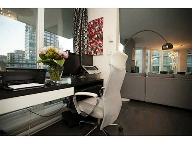 """Photo 10: Photos: 1707 535 SMITHE Street in Vancouver: Downtown VW Condo for sale in """"DOLCE AT SYMPHONY PLACE"""" (Vancouver West)  : MLS®# V1138374"""