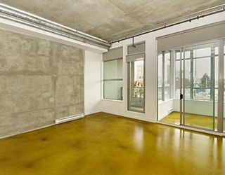 """Photo 2: 203 495 W 6TH Avenue in Vancouver: Mount Pleasant VW Condo for sale in """"LOFT 495"""" (Vancouver West)  : MLS®# V772175"""
