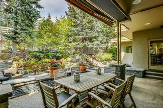 Photo 1: 2207 Amherst Street SW in Calgary: Upper Mount Royal Detached for sale : MLS®# A1121394
