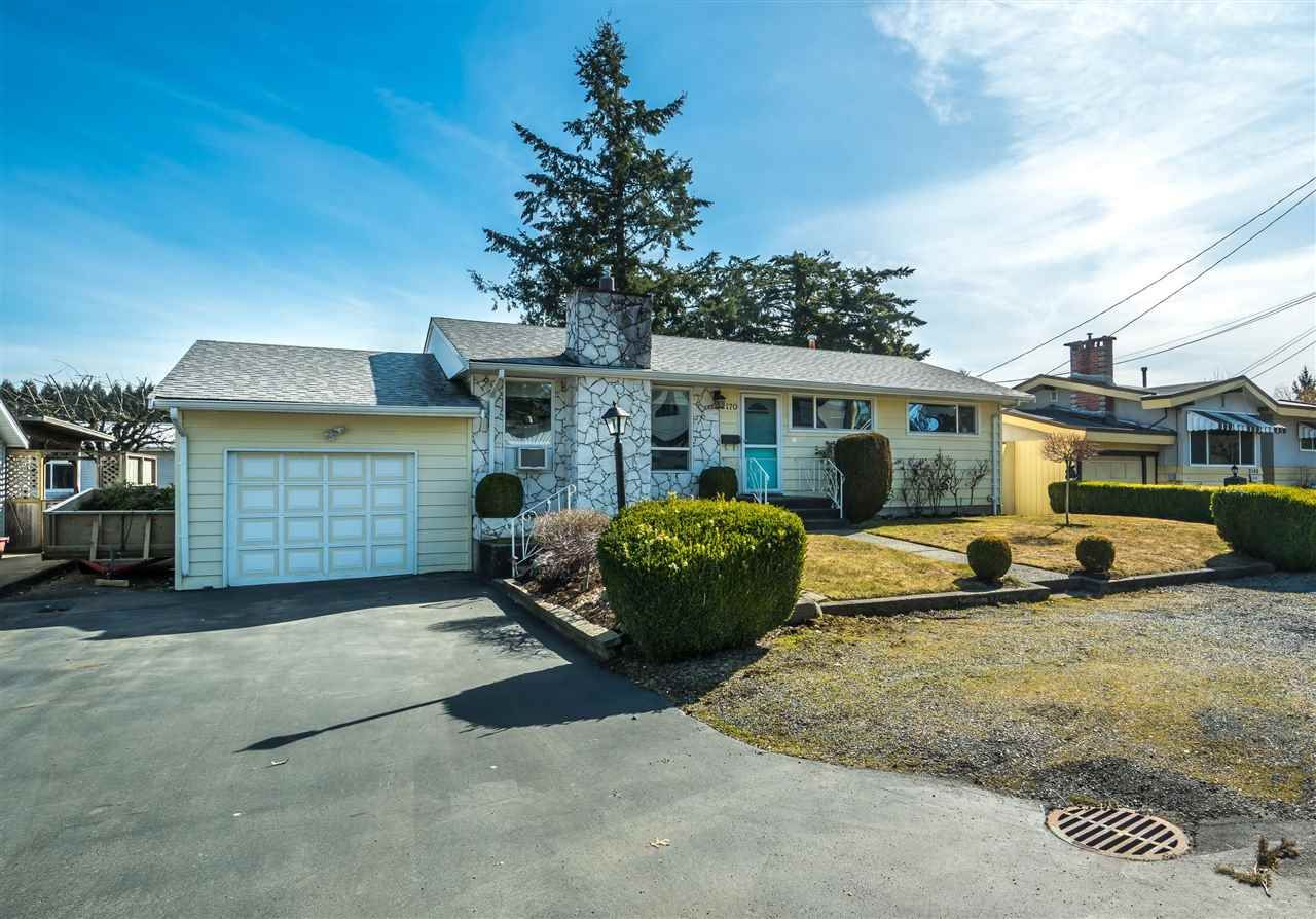 """Main Photo: 2170 WILEROSE Street in Abbotsford: Central Abbotsford House for sale in """"Mill Lake"""" : MLS®# R2349251"""