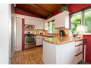 """Photo 6: 4220 CLIFFMONT Road in North Vancouver: Deep Cove House for sale in """"Deep Cove"""" : MLS®# V1081027"""
