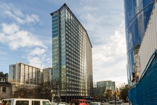"""Photo 1: 1004 989 NELSON Street in Vancouver: Downtown VW Condo for sale in """"THE ELECTRA"""" (Vancouver West)  : MLS®# R2435336"""